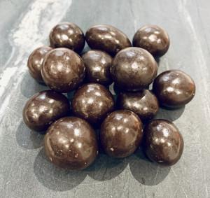 Вишня в темном шоколаде